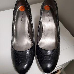 Bandolino black wedge dress shoe